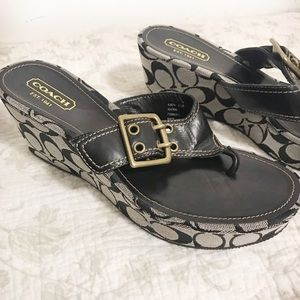 Coach wedge Sherri thong sandals black w buckle